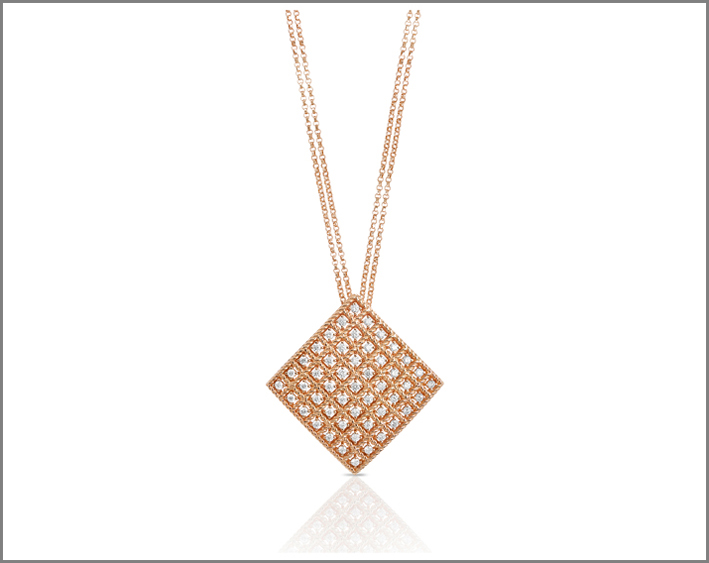 Rose gold pendant with white diamonds
