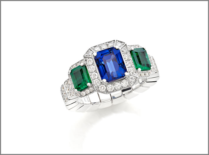 Octagonal sapphire (2.59 ct) octagonal emeralds (0.88 ct) and diamond (1.60 ct) ring  set in white gold