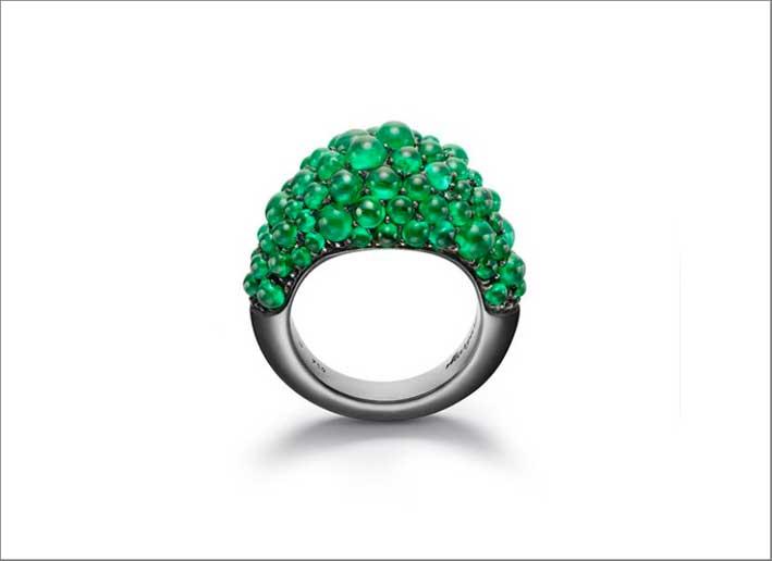 Anello con smeraldi a bolle