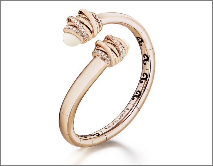 Bracciale in oro rosa, diamanti e cachalong della collezione Toi & Moi