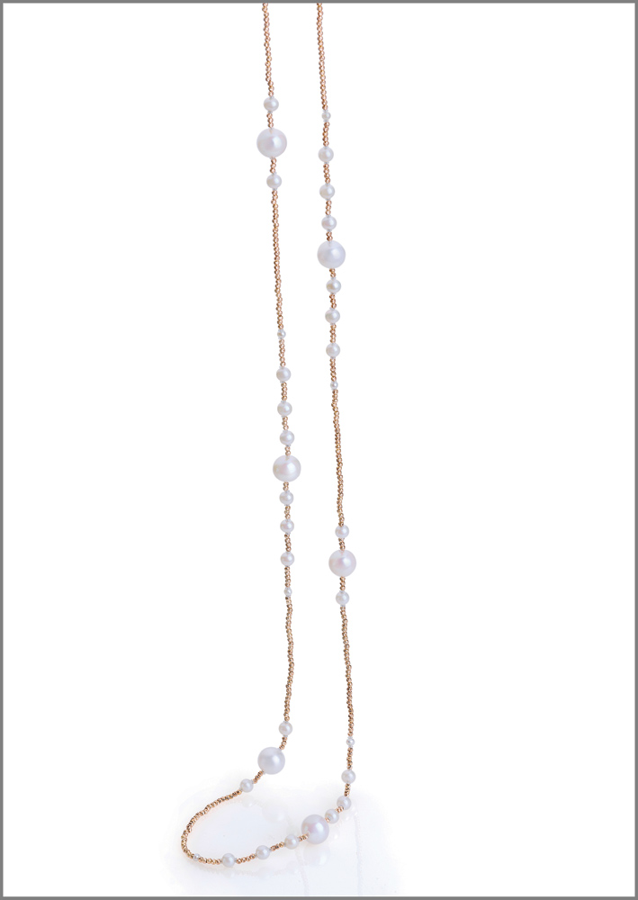 Collana in oro rosa, perle biancheCollana in oro rosa, perle bianche