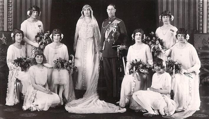Foto dal matrimonio tra il Duca di York e lady Elizabeth Bowes Lyon, futura Regina Madre