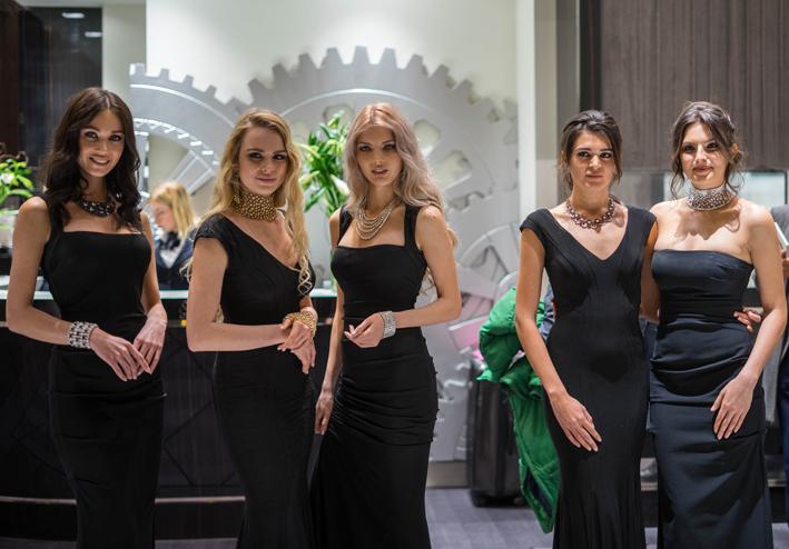 Modelle di Jacob & co con i gioielli della Maison, a Baselworld 2018