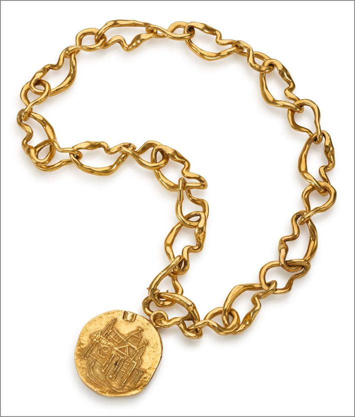 Collana con medaglione di Afro in oro