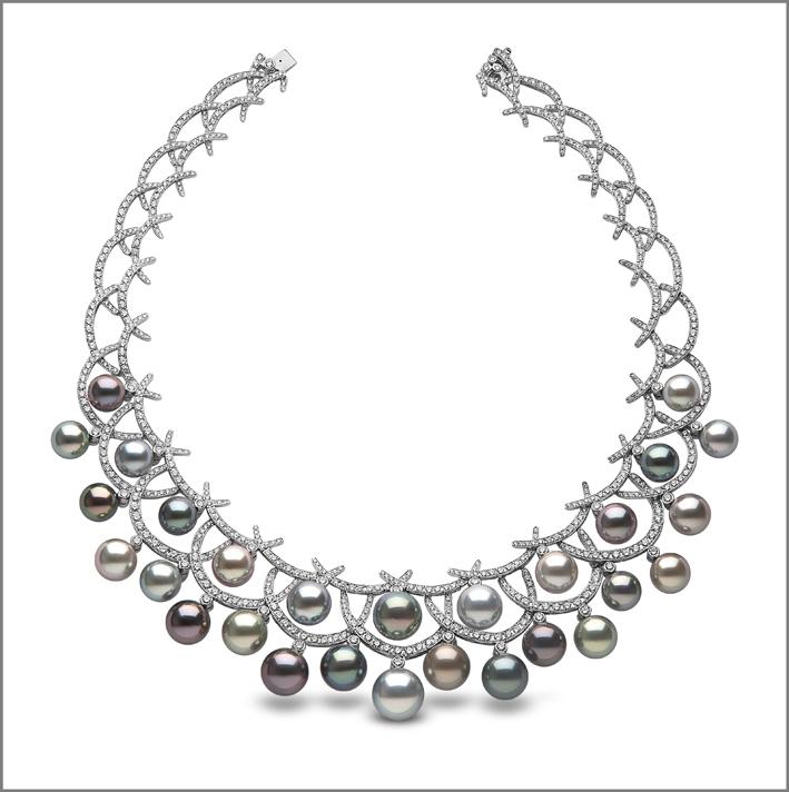 Collana con perle di Tahiti e diamanti