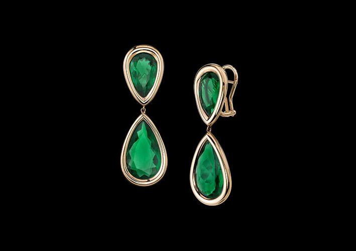 Robert Procop e Angelina Jolie, orecchini in oro rosa con smeraldi