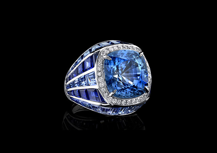 Anello con zaffiri e diamanti