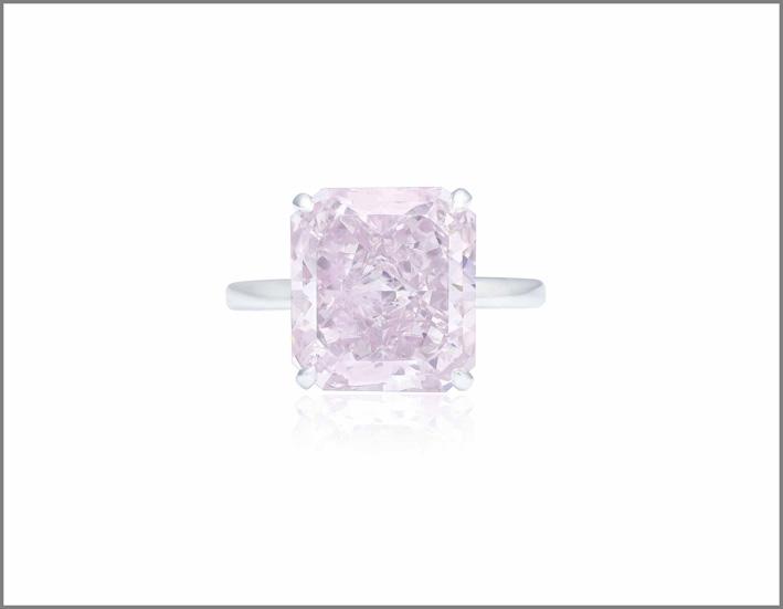 Anello con diamante rosa purpureo intenso di 8,52 carati venduto per 6,27 milioni di dollari