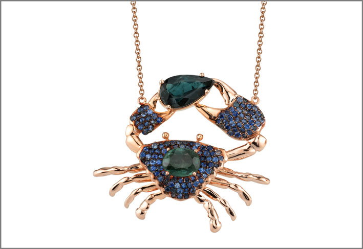 Collana con pendente Freyr, oro rosa, tormalina, zaffiri blu