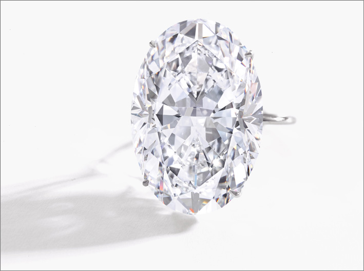 Magnificent diamond ring. The oval diamond weighing 50.39 carats