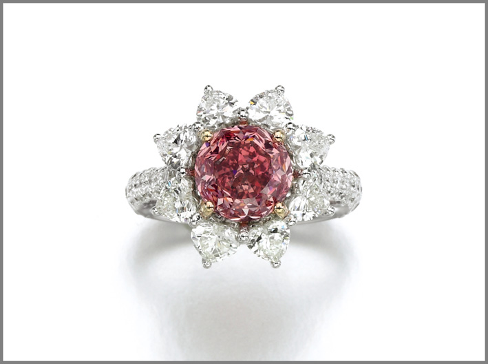 Superb fancy vivid purplish pink diamond ring