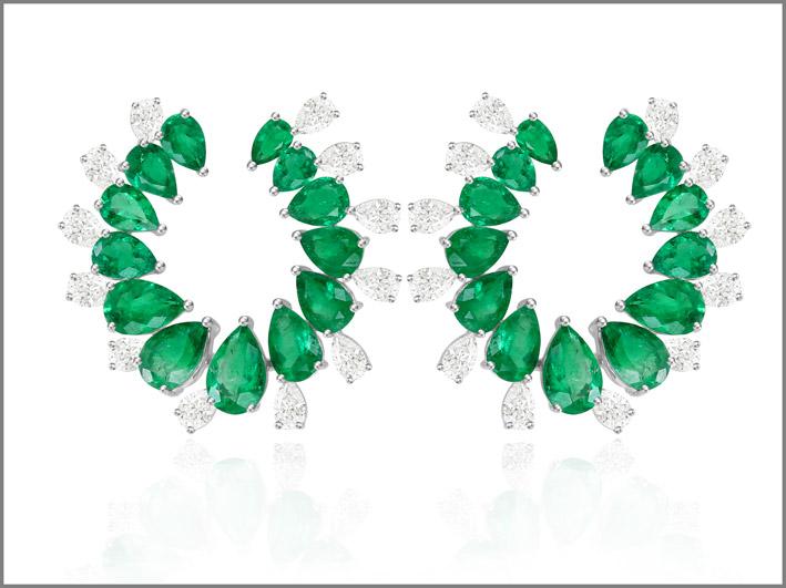 Orecchini con diamanti e smeraldi, pezzo unico