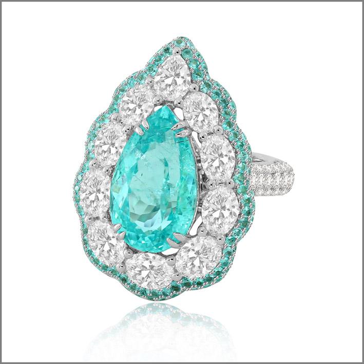 Anello con diamanti (5 carati) e tormalina paraiba (8 carati), pezzo unico
