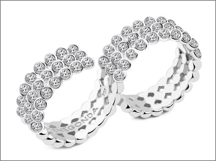 Anello in argento 925 con 54 topazi bianchi