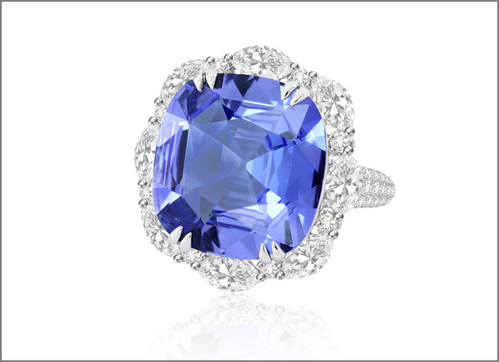 Anello con diamanti e tanzanite di 11 carati