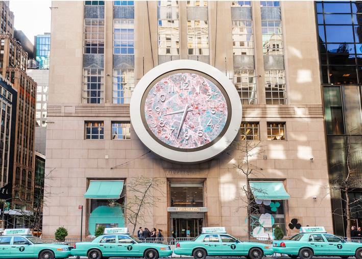 Tiffany, Fifth Avenue, New York, in occasione del lancio della collezione Paper Flowers