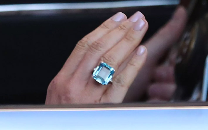 regarder grande variété de styles super pas cher se compare à Which finger does a wedding ring go on - Gioiellis