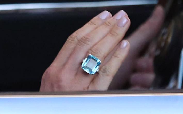 L'anello con acquamarina indossato da Merghan Markle