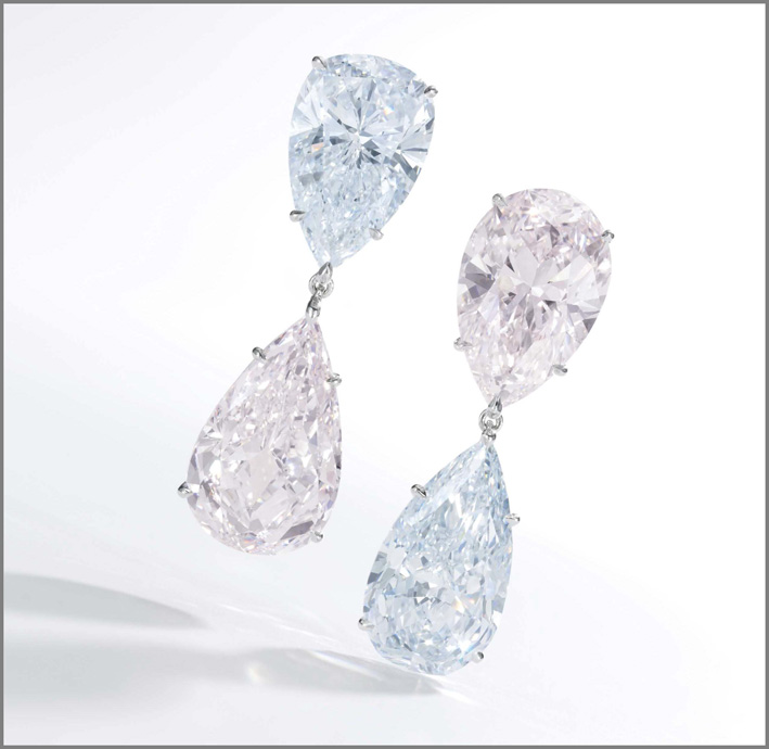 Orecchini con diamanti fancy light blue e fancy light pink