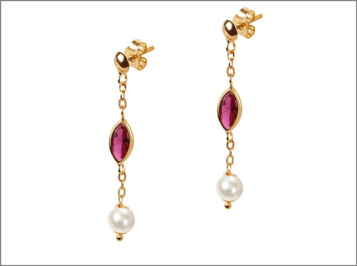 Orecchini in oro, ametista e perle di Bluespirit