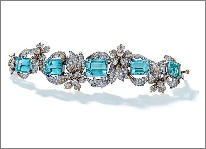 Collana che fa parte di una suite firmata Van Cleef & Arpels, in diamanti e peridoti. Parte della collezione Rockefeller