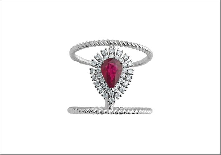 Anello Halo in oro bianco, rubino e diamanti