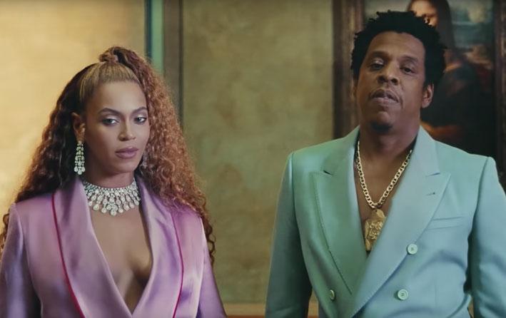 Beyoncé indossa il set Persian Drops