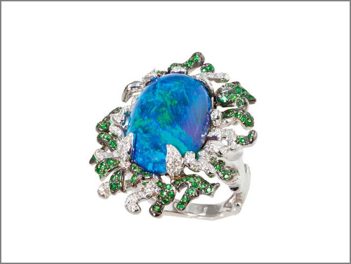 Katherine Jetter, anello in oro bianco con opale nero, diamanti, tsavoriti