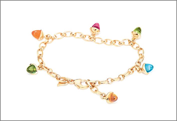 Bracciale Mikado Charm Candy, oro 18 carati, 6 gemme di granato mandarino, ametista, peridoto, topazio azzurro, tormalina verde e rosa. Prezzo: 4.990 euro