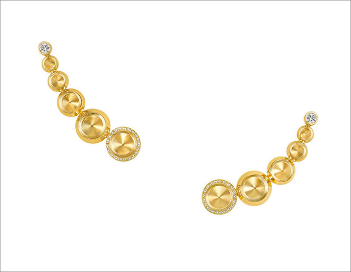 Orecchini della collezione Sahara in oro giallo e diamanti