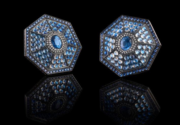 Orecchini Heptagon, con spinello blu, pietre luna, diamanti, zaffiri blu, oro, argento