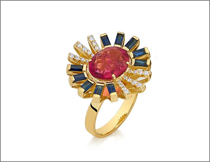 Anello della collezione Magic in oro, zaffiri, rubellite, diamanti,