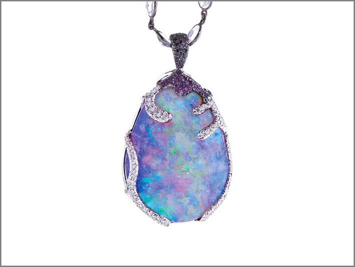 Pendente con opale di 75 carati, oro bianco, diamanti bianchi e neri, ametista, pietra luna