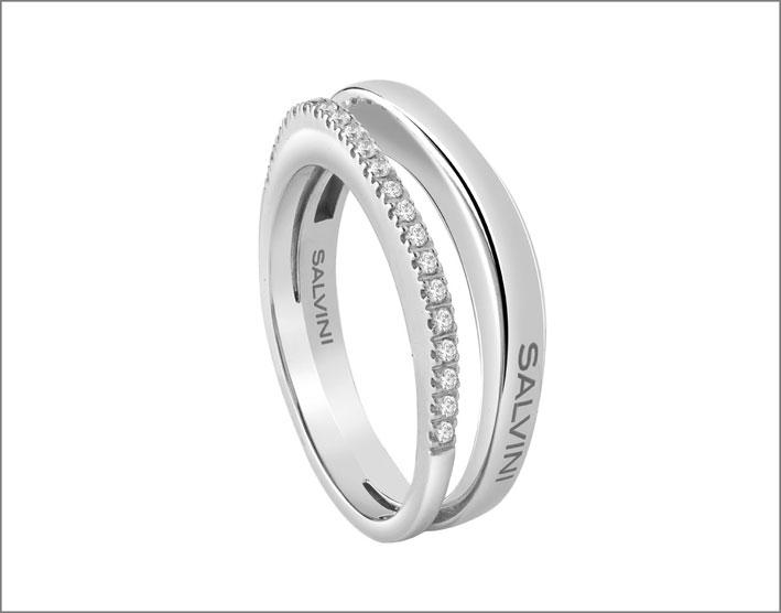 Anello in oro bianco e diamanti della collezione Euforia