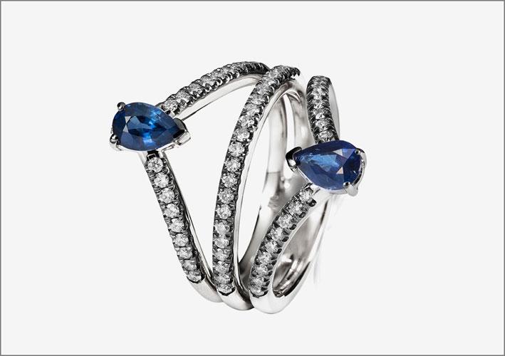 Anello in oro rodiato, diamanti e zaffiri