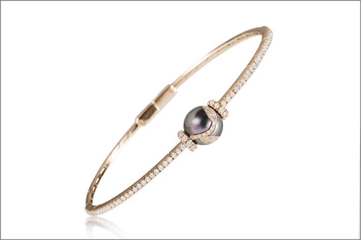 Bracciale in oro rosa, diamanti e perla