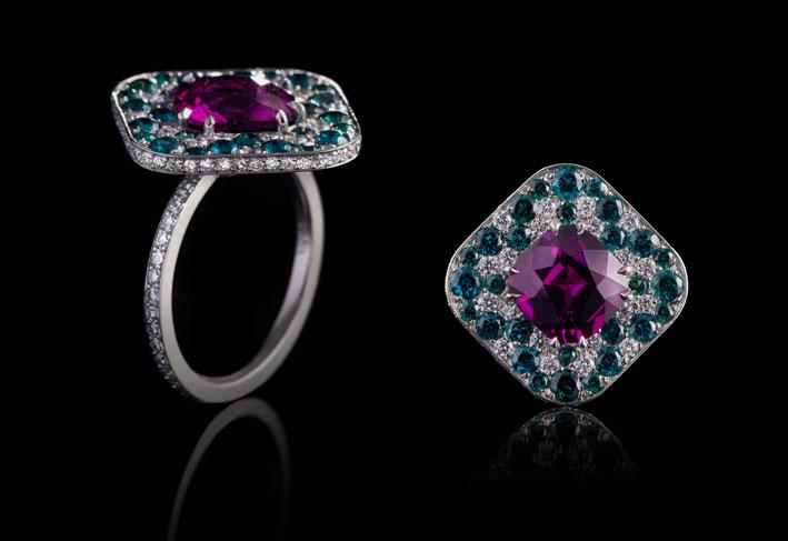 Lace ring, granato del Malawi, altri granati, diamanti, oro
