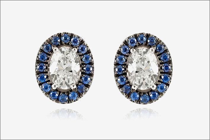 Orecchini in oro rodiato, diamanti e zaffiri