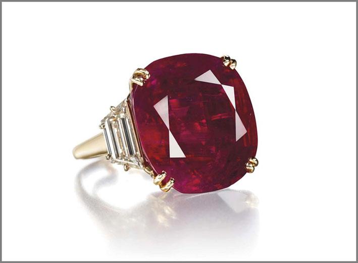 Anello di rubini e diamanti di Safra di Chaumet, venduto per 6,2 milioni di franchi nel 2012