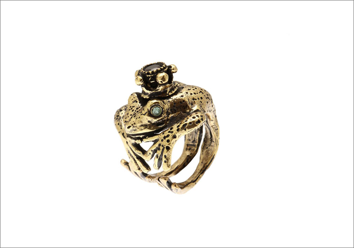 Anello ranocchio incoronato, in-ottone dorato, con occhi in smeraldo e corona in granato