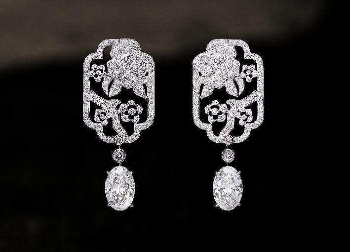 Orecchini Fleur de diamant, in oro bianco e diamanti