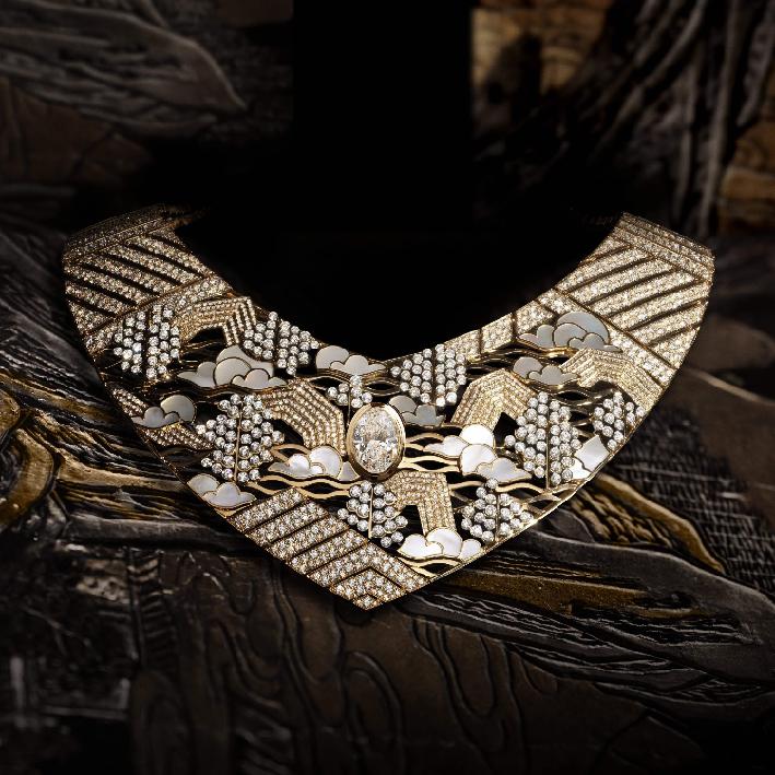 Collier Horizon Lontain, oro giallo, platino, diamanti, madreperla