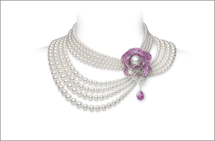 Collier di Mikimoto, sei fili di perle, zaffiri rosa