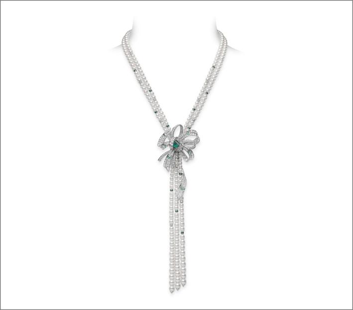 Platino con smeraldi, diamanti, perle