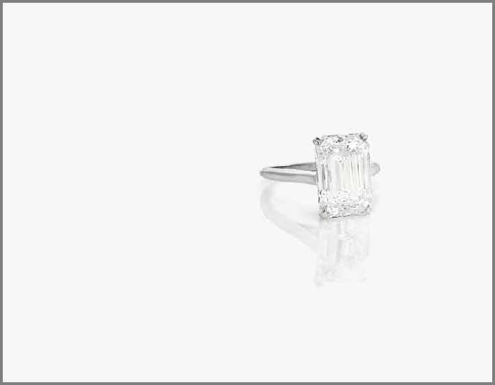 Anello in platino, con diamante taglio smeraldo di 7 carati