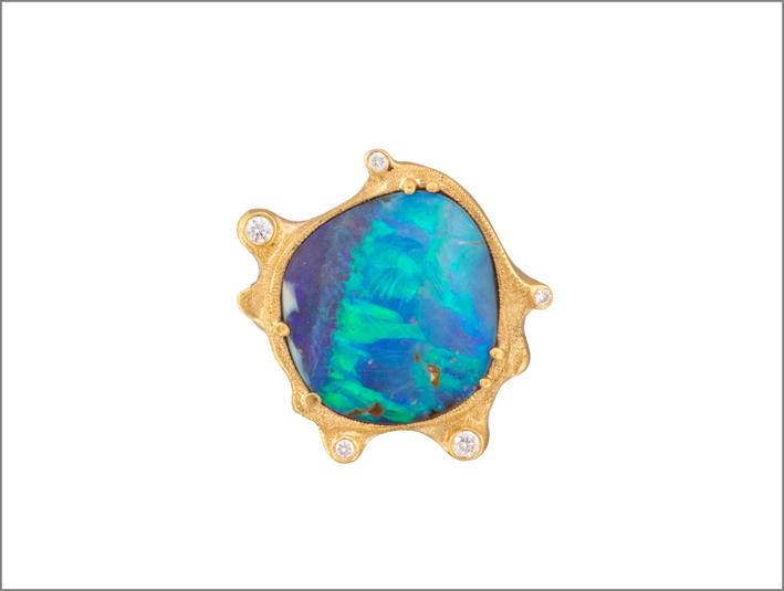 Anello in oro rosa con opale nero e diamanti