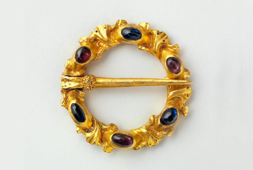 Fibbia in oro e pietre preziose