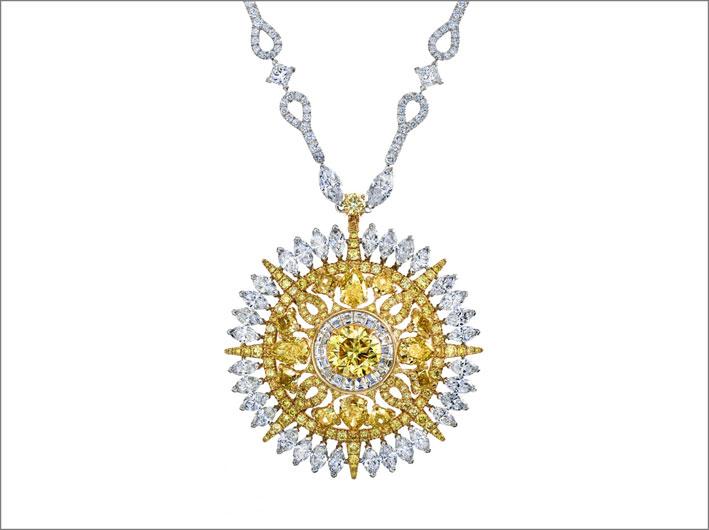 Medaglione di diamanti bianchi e gialli della linea Ra