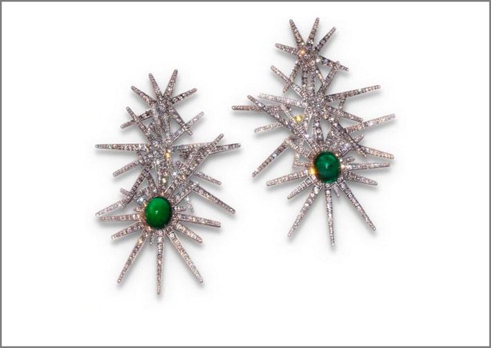 Sabba, orecchini con diamanti e smeraldi