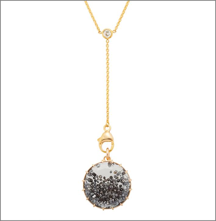 Collezione Shake, pendente con diamanti neri, catena in oro